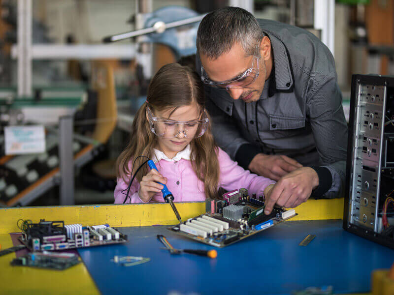 Technology Evolution Offers Excitement for Young Engineers Image
